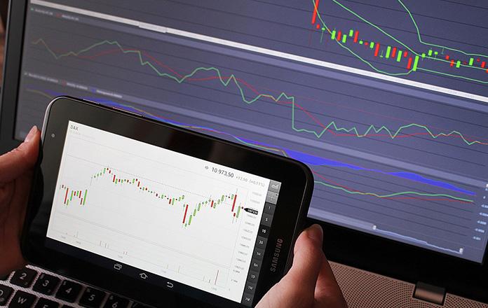 chart - TD Ameritrade vs E-Trade